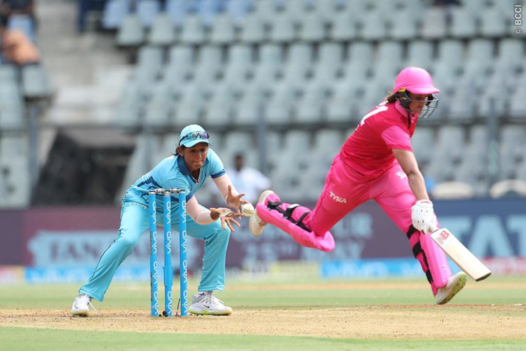 Supernovas pip Trailblazers in first ever Women's IPL T20 clash