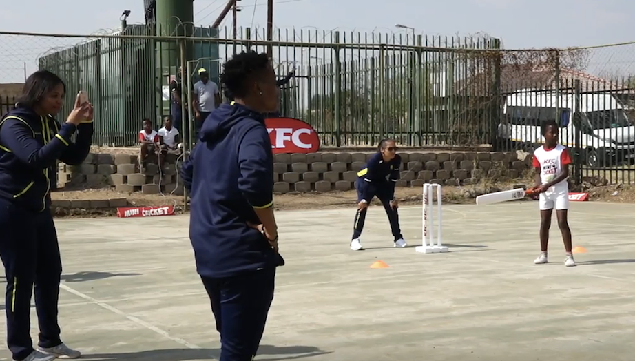 Proteas Women enjoy a day of Mini-Cricket with the kids