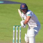 Ten Doeschate denies Surrey win, but not title