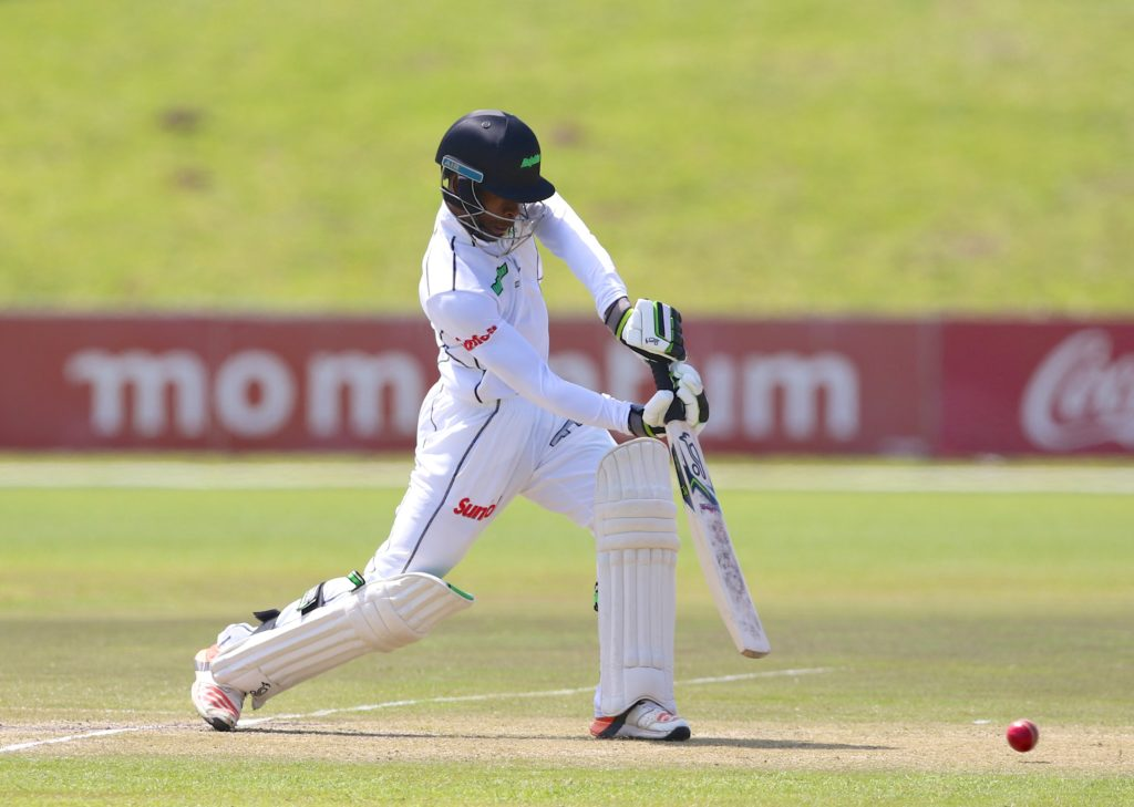 Makhanya heroics guide Dolphins to 269