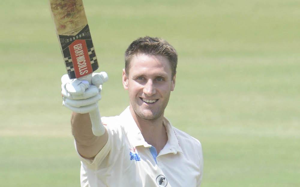 De Bruyn's innings-saving ton