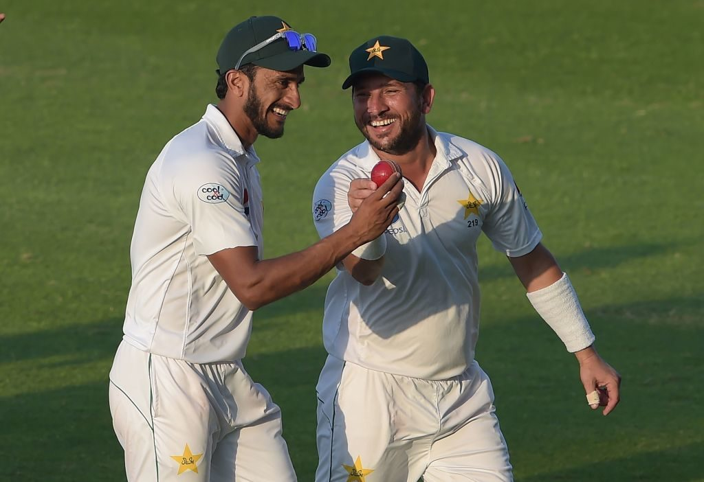 Pakistan have NZ on the rack, England secure series