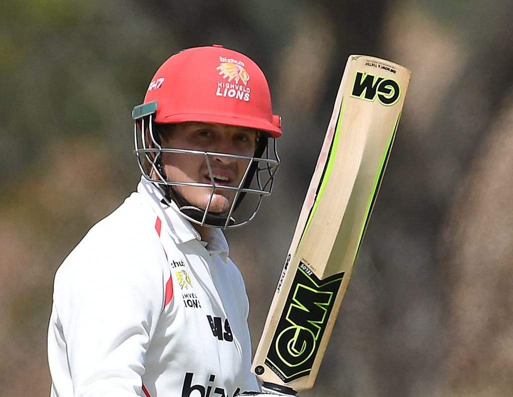 Lubbe tons up again