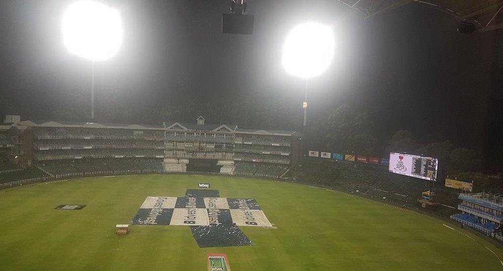 Rain ensures Stars, Blitz final