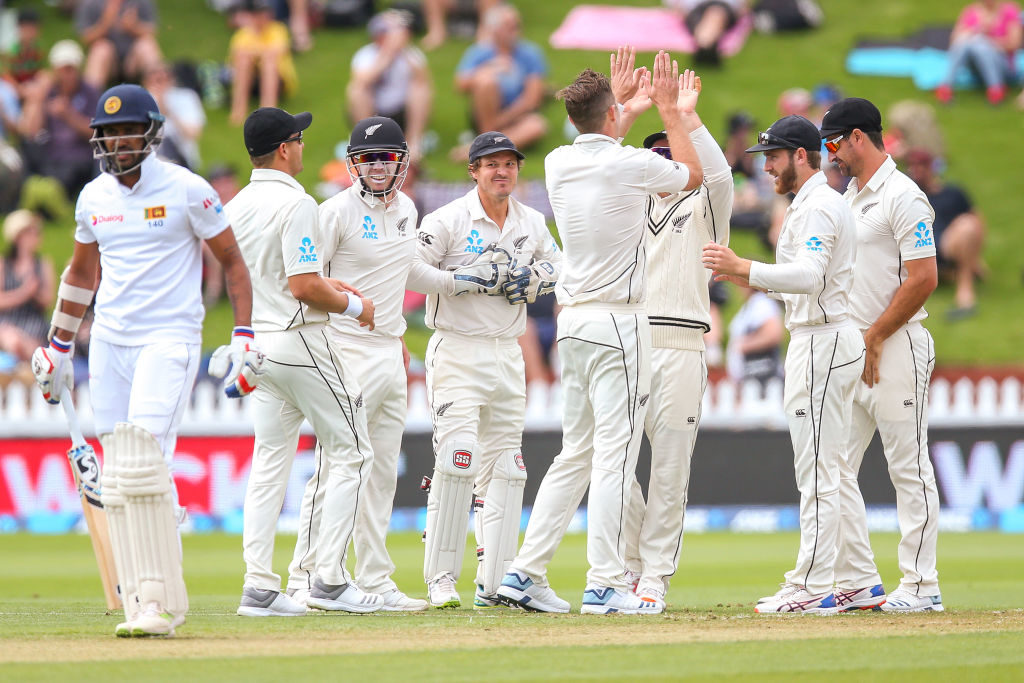 Southee's five-for doesn't hold Lankans at bay