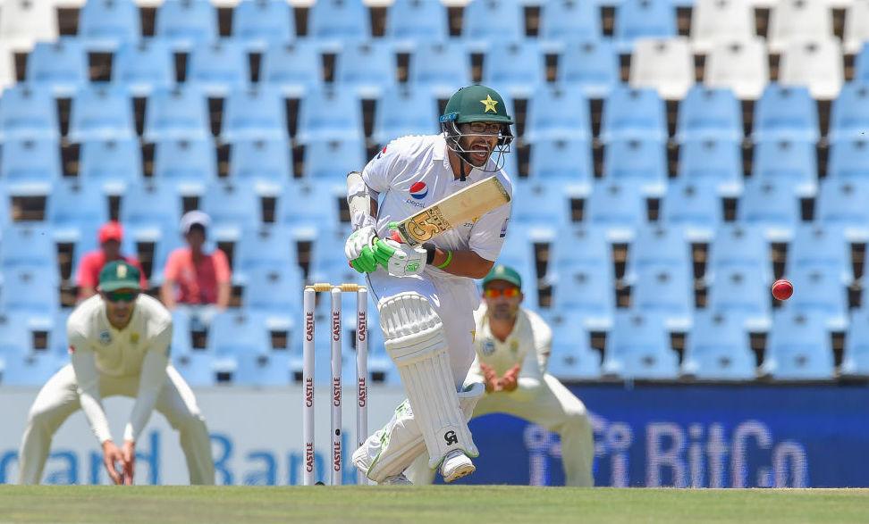Pakistan go into tea on 34-0