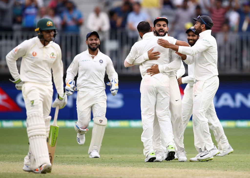 Aussies stumble after pegging India back