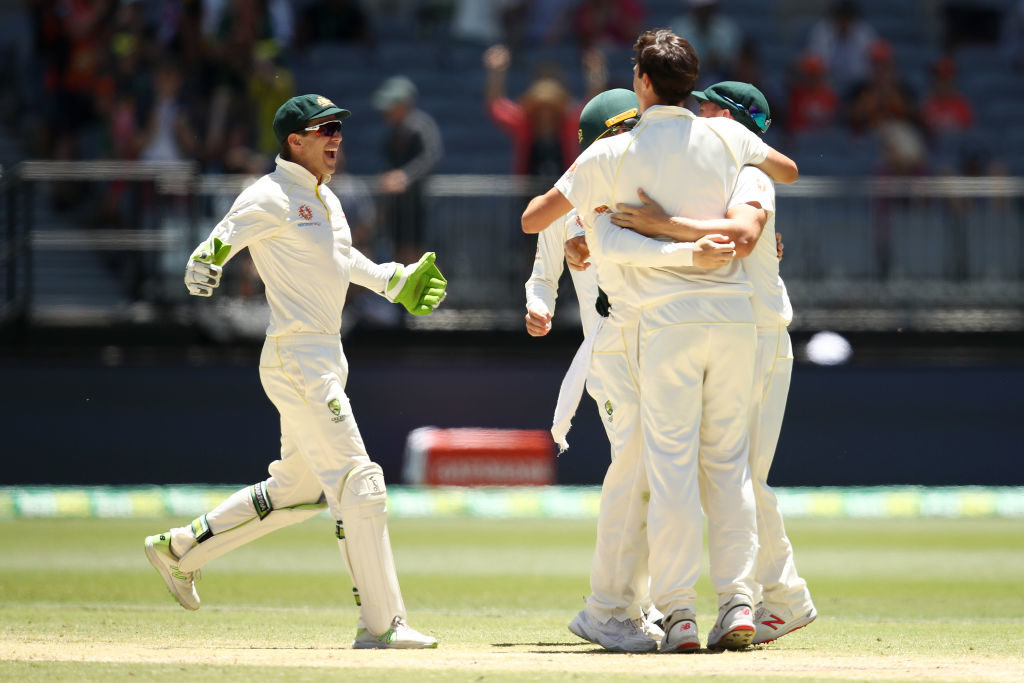 Australia square up series as India crumble