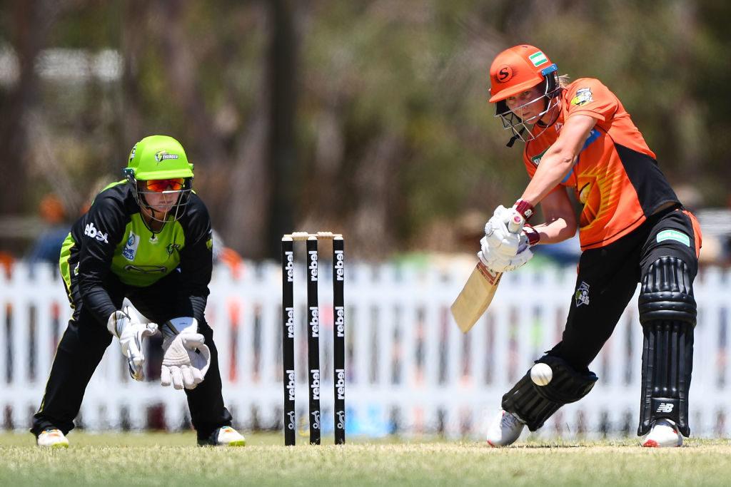 Lanning's Scorchers pull brakes on Sydney Thunder